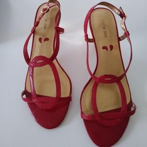 Sacha Too True Red Leather Sandal Pump